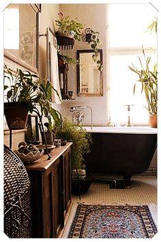 home decor bathroom Decor For The Bathroom For Your Informations 20 Chic And Minimalist Boho Bathroom Design Ideas Bohemian Bathroom, Diy Bathroom Decor, Bathroom Styling, Bathroom Interior, Bathroom Ideas, Bathroom Designs, Bathroom Remodeling, Bathroom Hacks, Garden Bathroom