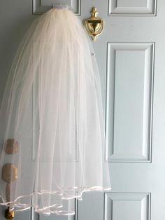 How To Make a Classic Wedding Veil : Home Improvement : DIY Network