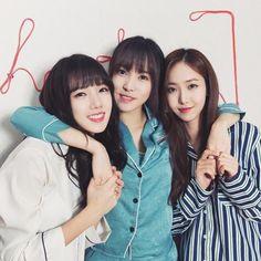 The beagle sister Gfriend Profile, Sinb Gfriend, Cloud Dancer, Falling Stars, G Friend, K Idol, China, Korean Girl Groups, Kpop Girls