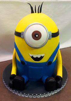 It is not just the 'traditional' yellow and blue minions, but purple minion cake became popular following the release of Despicable Me 2.