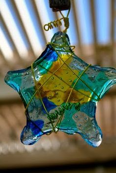 you can transform plastic beads into bowls, sun catchers, lamp shapes, night lights, jewelry and cool Christmas ornaments!