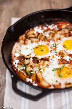 Spanish Hash {Patatas Bravas+Eggs} #breakfast #brunch