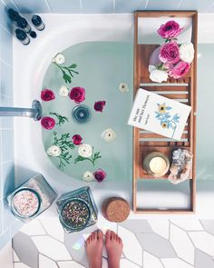 Take a break & treat yourself to a hot bath. Photo via @alison__wu