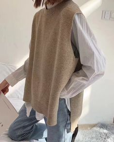 Wool Vest, Loose Shirts, Clothing Hacks, Weekend Wear, Cashmere Wool, Cool Sweaters, Knit Fashion, Daily Fashion, Coats For Women