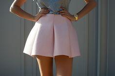 DIY: Scuba / Neoprene Mini Skirt http://apairandasparediy.com/2014/01/diy-scuba-mini-skirt.html