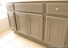 How to paint oak bathroom vanity cabinets - sand, Zinsser Cover Stain Primer, foam roller, sanding sponge to buff out drips Painting Bathroom Cabinets, Master Bathroom Vanity, Bathroom Vanity Cabinets, Paint Bathroom, Cabinet Furniture, Bathroom Furniture, Painting Furniture, Light Gray Cabinets, Bathroom Inspiration