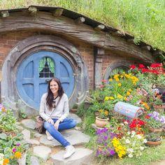 Visitar Hobbiton y convertirse en Hobbit por un día... Más allá de los que adoran esta saga es curioso hacer una visita si vas a Nueva Zelanda a este curioso lugar lo han dejado tal cual estaba para la película y reconocemos que aunque es una curiosidad cara mereció la pena. #nuevazelandaporlibre #hobbit #travelphotography #travelblogger #blogdeviajes #oceania