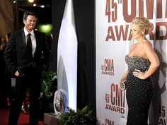 imm0rtalityy:  canadianehteam:  I want a husband who looks at me the way Blake looks at Miranda.