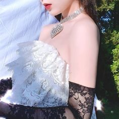 Find images and videos about kpop, k-pop and red velvet on We Heart It - the app to get lost in what you love. Fashion Mode, Kpop Fashion, Korean Fashion, Red Velvet アイリーン, Red Velvet Irene, Kpop Girl Groups, Kpop Girls, Red Velvet Photoshoot, Red Valvet
