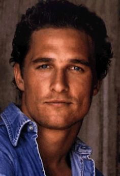 Matthew McConaughey is a hollywood celebrity trying to make it big. Pretty People, Beautiful People, Actrices Hollywood, Hommes Sexy, Good Looking Men, Chris Hemsworth, Famous Faces, Gorgeous Men, Hello Beautiful