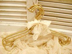 Gold hangers. #Style #Modern