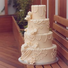 Fondant Crem (ivory), 1 kg - Lumea Basmelor Fondant, Ivory, Cake, Desserts, Pie Cake, Tailgate Desserts, Fondant Icing, Pastel, Dessert