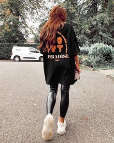 Baggy Tee, Jeans And T Shirt Outfit, Jeans Leggings, Looks Com Jeans Skinny, T-shirts Vintage, Casual Outfits, Cute Outfits, Model, Walking Closet