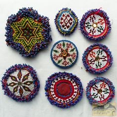 http://vk.com/ilovetribal?w=wall-23493242_16229 ч.2 бісерні прикраси племені Кучі (Kuchi)