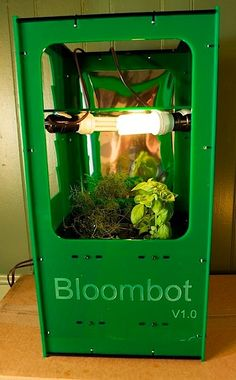 Indoor hydroponic gardening tips hydroponics equipment for Indoor gardening machine