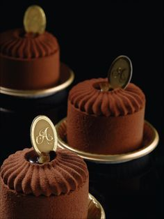 "Antoinette ""Orangette"" | dark chocolate mousse, chocolate genoise with grand marnier, orange marmalade, orange feuilletine"