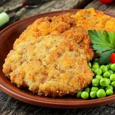 Breaded Baked Pork Chops Baked Pork Chop Recipes – Keeping it Yummy Breaded Baked Pork Chops. Ever thought about the benefits of baked pork chop recipes? Limiting fried foods can benefit the … Pork Chop Recipes, Meat Recipes, Dinner Recipes, Cooking Recipes, Oven Cooking, Recipies, Marinated Baked Pork Chops, Chops Recipe, Pork Dishes