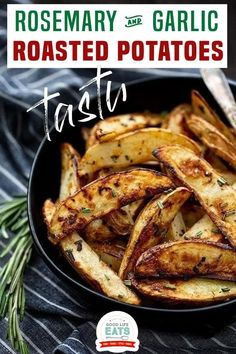 These Rosemary and Garlic Roasted Potatoes are the perfect potato side dish for any fall or winter meal! Come learn how to make the perfect crispy roasted potatoes with lots of flavor and how to reheat leftover roasted potatoes. You'll never believe how easy these crispy rosemary potatoes are to make! | Good Life Eats @goodlifeeats #holidaysides #christmassidedishes #roastedpotatoes #christmasdinnerrecipes #goodlifeeats Garlic Roasted Potatoes, Rosemary Potatoes, Roasted Potato Recipes, Great Dinner Recipes, Romantic Dinner Recipes, Dinner Ideas, Fast Healthy Meals, Quick Meals, Healthy Food