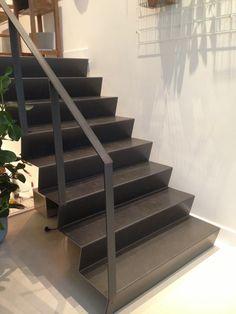 Minimalistische stalen trap ontwerp going up always pinterest - Ontwerp trap trap ...