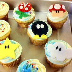 Easy Mario cupcakes  I made them for a friends birthday party. So fun!