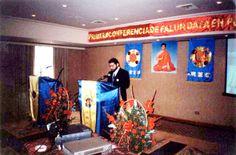 09/02/2000: Practicantes occidentales compartiendo sus experiencias durante la Primera Conferencia de Perú.