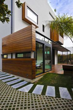 Best Modern Exterior for a Dream House – Home Design Geek's Design Exterior, Modern Exterior, Interior And Exterior, Contemporary Architecture, Interior Architecture, Casa Patio, Casas Containers, Facade House, Modern House Design