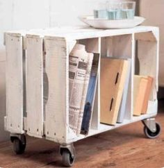 Blog is in Spanish. It would take me less time to figure it out looking at the picture than to translate. Adorable MOVABLE storage for craft space!