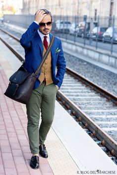 Giacca napoletana su misura di Sartoria Cavaliere - Il blog del Marchese Marchese, Equestrian Style, Khaki Pants, Blog, Fashion, Equestrian Fashion, Outfit, Moda, Khakis