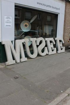 1000 images about lettres lumineuses on pinterest marquee lights sign let - Lettre enseigne vintage ...