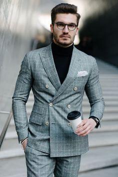 Gerade zu Zweireihern - die immer geschlossen getragen werden - passen Pullover - als Alternative zum Hemd - perfekt!