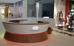 De-a lungul anilor Atvangarde a fabricat mobilier comercial pentru nume…
