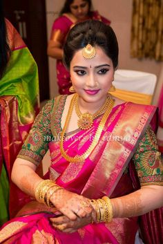 bridal blouse designs for silk sarees Bridal Silk Saree, Saree Wedding, Silk Sarees, Saris, Indian Sarees, Tamil Wedding, Indian Blouse, Organza Saree, Cotton Saree