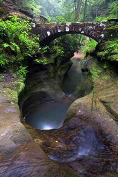Natural bridge hocking hills #TravelDestinationsUsaOhio  United States Acesse no Site para informações http://storelatina.com/usa/travelling   #EUA #traveleua #euatravel