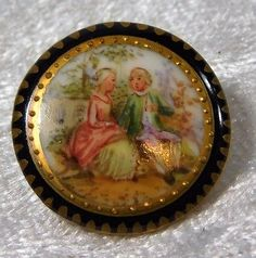 ATQ-VICTORIAN-FRENCH-LIMOGES-HAND-PAINTED-COUPLE-GILTED-PORCELAIN-BUTTON-7-8