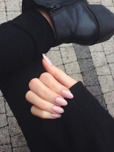Uñas rosas almendradas Más Oval Nails, Nude Nails, Nail Manicure, Coffin Nails, Chic Nails, Stylish Nails, Hair And Nails, My Nails, Long Acrylic Nails