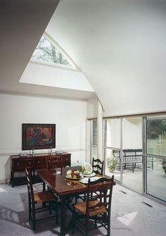 310. Robert Venturi /// Vanna Venturi House (Mother's House) /// Chestnut Hill, Philadelphia, Pennsylvania, USA /// 1959-1961