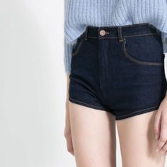 ⚡️Flash sale⚡️High waisted denim shorts Cute dark wash jean shorts with a medium - high waist. Slightly stretchy, super comfortable! Girls size 12 but fits like a size 0/1 or 24/25 inch waist. Like new! Brand: tractor Forever 21 Jeans