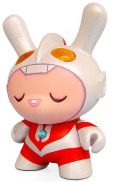 'Kid Ultra!' by Dolly Oblong. Amazing custom Kidrobot Dunny mixed with Ultraman.