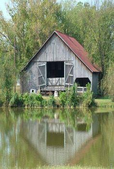 Reflections in a farm pond Farm Barn, Old Farm, Country Barns, Country Life, Country Living, Country Roads, Country Charm, Farm Pond, Barn Pictures