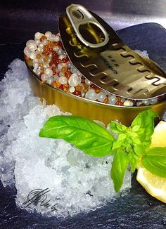 Caviar de Vermuts Caviar, Xmas Dinner, Tapas Bar, Food Decoration, Molecular Gastronomy, Vegan Sweets, Sweet And Salty, Creative Food, Food Design