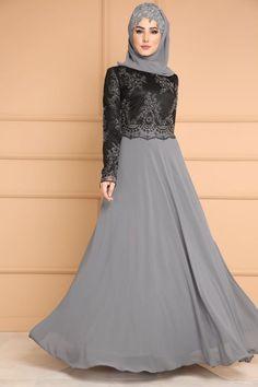** YENİ ÜRÜN ** İncili Tesettür Şifon Abiye Siyah&Gri Ürün kodu: DMN7943... , Muslim Evening Dresses, Hijab Evening Dress, Hijab Dress Party, Hijab Wedding Dresses, Pakistani Wedding Outfits, Muslim Dress, Abaya Fashion, Muslim Fashion, Fashion Dresses