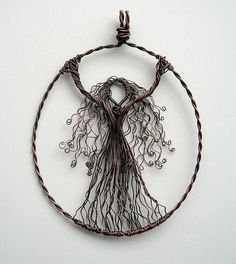 I love this..... not to mention there is a lot of awesome and different jewelry ideas!