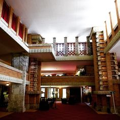 1921 Imperial hotel designed by Frank Lloyd Wright Tokyo Imperial Hotel, Frank Lloyd Wright Homes, Louis Kahn, Oscar Niemeyer, Beatnik, Travel Abroad, Amazing Architecture, Architects, Hotels