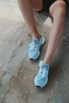 ¿Y si te digo que en Zapatos Mayka puedes encontrar tus Adidas Deerupt ahora rebajadas?😉 Adidas Sport, Nike Huarache, Chuck Taylors, Shoe Collection, Casual Wear, Maya, Sneakers Nike, Kicks, Converse
