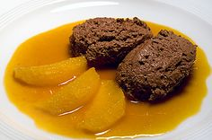 Gingerbread mousse with orange ragout (from mankannsessen. Gourmet Desserts, What To Cook, Flan, Mashed Potatoes, Gingerbread, Steak, Deserts, Good Food, Pudding