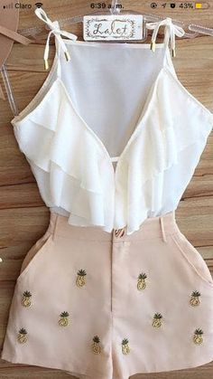 Conjunto blusa blanca con short Updated version of an old outfit ! Teenage Outfits, Teen Fashion Outfits, Outfits For Teens, Girl Outfits, Womens Fashion, Cute Summer Outfits, Cute Casual Outfits, Stylish Outfits, Vetement Fashion