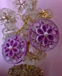 I have tried my hand in quilled jewellery before and found that it required more precision and the quilling is done with small bits of stri. Quilling Necklace, Paper Quilling Jewelry, Quilling Art, Paper Jewelry, Paper Beads, Quilling Ideas, Heart Template, Butterfly Template, Flower Template