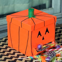 Trick-or-treat DIY Duck Tape® brand duct tape candy box.