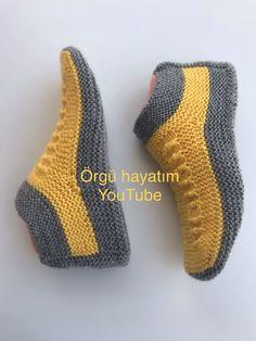 9 Tips for knitting – By Zazok Knitting Socks, Free Knitting, Baby Knitting, Knitting Patterns, Crochet Baby Dress Pattern, Crochet Shoes, Knitted Slippers, Slipper Socks, Crochet Ripple