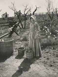 Gone whit the win making off Photo Credit: Image courtesy Harry Ransom Center. Set still of Vivien Leigh in the cotton field scene.